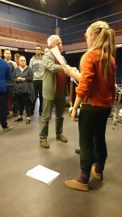 Paul en Mirthe tijdens koorrepetitie
